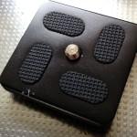 ハンディカムCX630Vにアルカスイス互換(ARCA SWISS TYPE)クイックリリースプレート